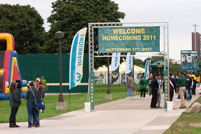 Custom printed blade banners for Wayne State Homecoming