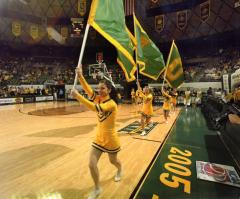 Baylor flags cheerleaders