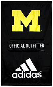 Applique Adidas/University of Michigan banner